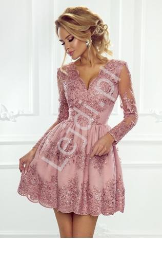68432bbf3d Krótka czerwona rozkloszowana sukienka z falbaną